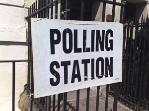 By secretlondon123 (originally posted to Flickr as Polling station) [CC BY-SA 2.0 (http://creativecommons.org/licenses/by-sa/2.0)], via Wikimedia Commons